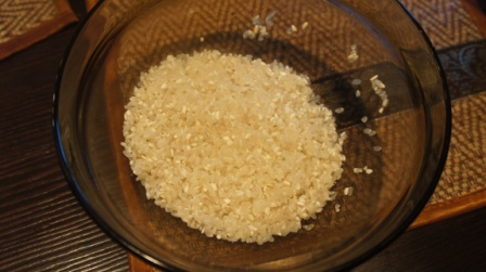 Промытый рис для ухи