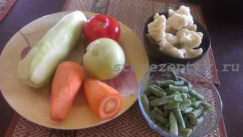 Продукты для овощного рагу с кабачками