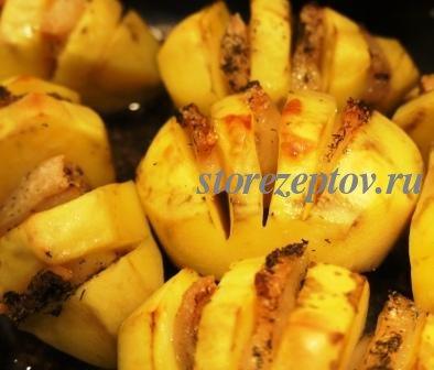 Рецепт картошки гармошки в фольге с салом, пошаговые фото