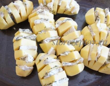 Нашпигованная салом картошка