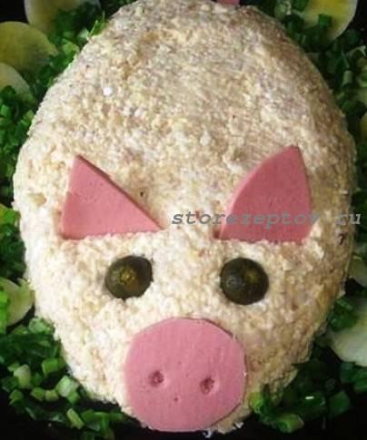 Свинка на Новогодний стол из салата с крабовыми палочками