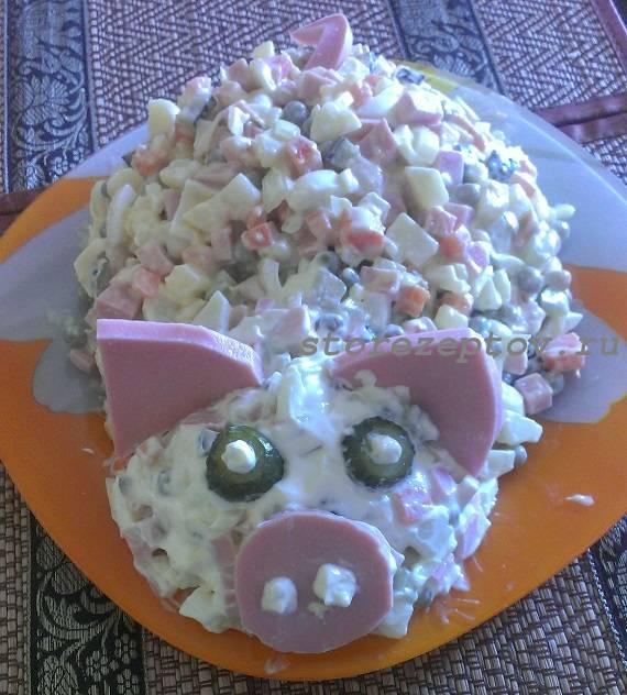 Салат на Новогодний стол Свинка