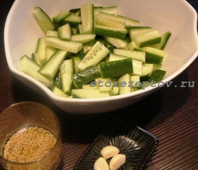 Салат из свежих огурцов по-корейски: рецепт с фото
