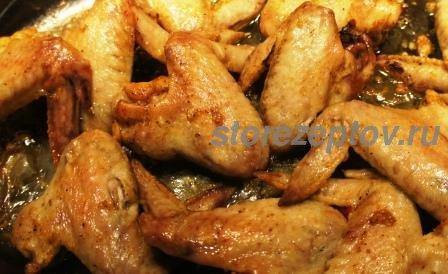Куриные крылышки в рукаве в духовке с чесноком и паприкой: рецепт пошаговый с фото