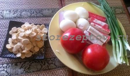 Ингредиенты для салата с крабовыми палочками