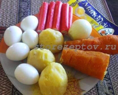 Ингредиенты для салата Мимоза с крабовыми палочками
