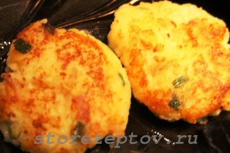 Готовые оладьи из вареного картофеля