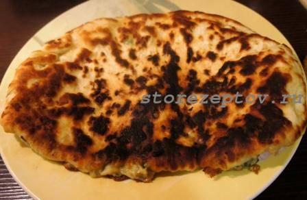 Пошаговый рецепт с фото сырных лепешек с начинкой на сковороде