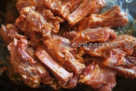 Свиные ребрышки в маринаде