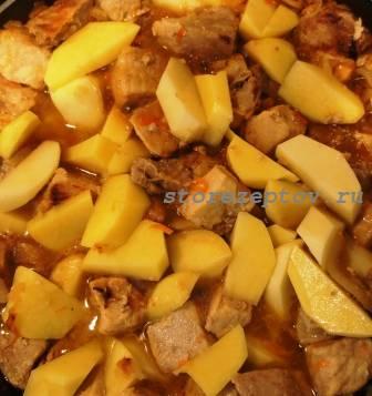 Тушеная картошка с соленой капустой и мясом (свининой): рецепт пошаговый с фото