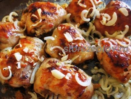 Бедра куриные в духовке: рецепт с корочкой + пошаговое фото