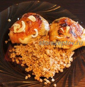 Куриные бедрышки с корочкой с гарниром из гречки