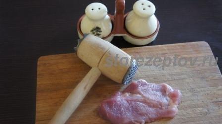 Кусок свинины для приготовления рулетков