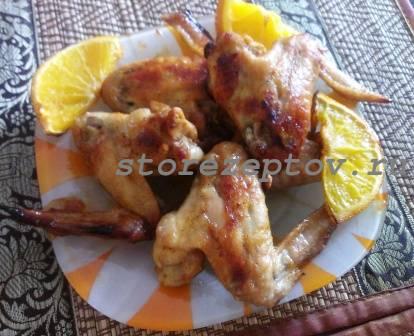 Готовые запеченные в духовке сладкие куриные крылышки