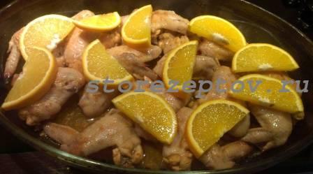 Куриные крылышки с апельсинами для запекания в духовке