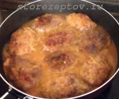 Гречаники на сковороде в соусе
