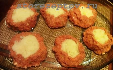 Заготовки мясных гнезд с картошкой