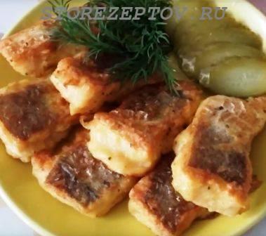 Жареная на сковороде рыба в кляре
