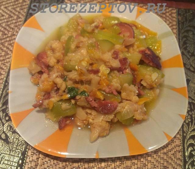 Готовое овощное рагу из кабачков и цветной капусты