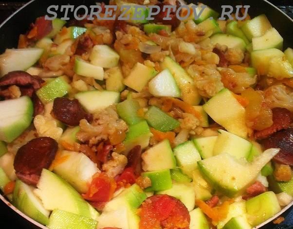 Рагу с цветной капустой и кабачками