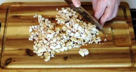 Нарезка курицы для салата