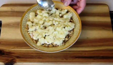 Слой картошки для салата Подсолнух