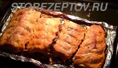 Запекание свиных ребрышек в духовке