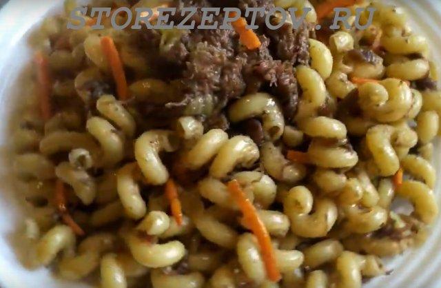 Готовое блюдо из макарон и тушенки