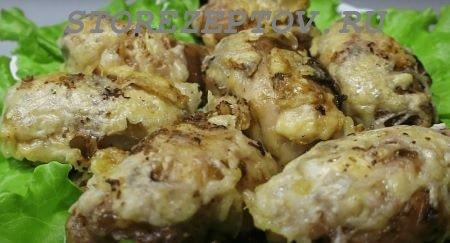 Рецепт куриных бедрышек фаршированных грибами под сыром в духовке пошагово с фото