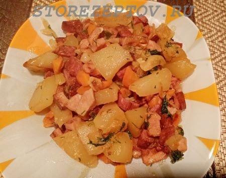 Кабачки тушеные на сковороде: рецепт с капустой, колбасой, морковкой и луком