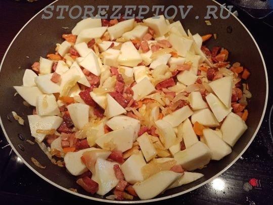 Тушим кабачки с капустой на сковородке