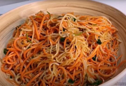 Салат из морковки и дайкона по-корейски