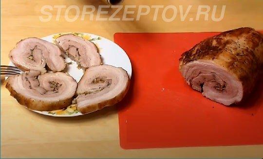 Готовый свиной рулет из брюшины