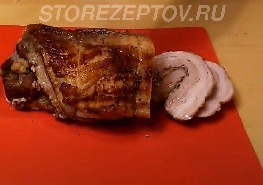 Пошаговый рецепт рулета, запеченного в духовке из брюшины свинины